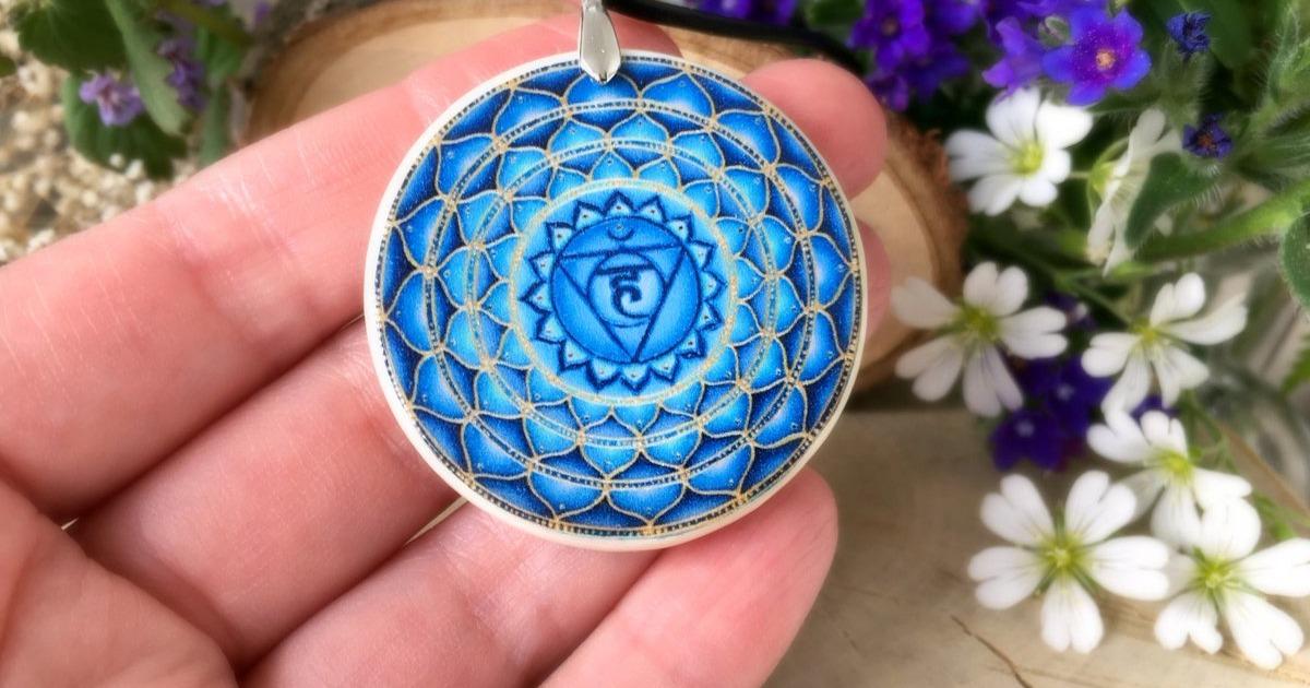 Вишудха чакра как максимально проявить в себе энергию 5 чакры Вишудха чакра самовыражения общения и творческих способностей голубая горловая