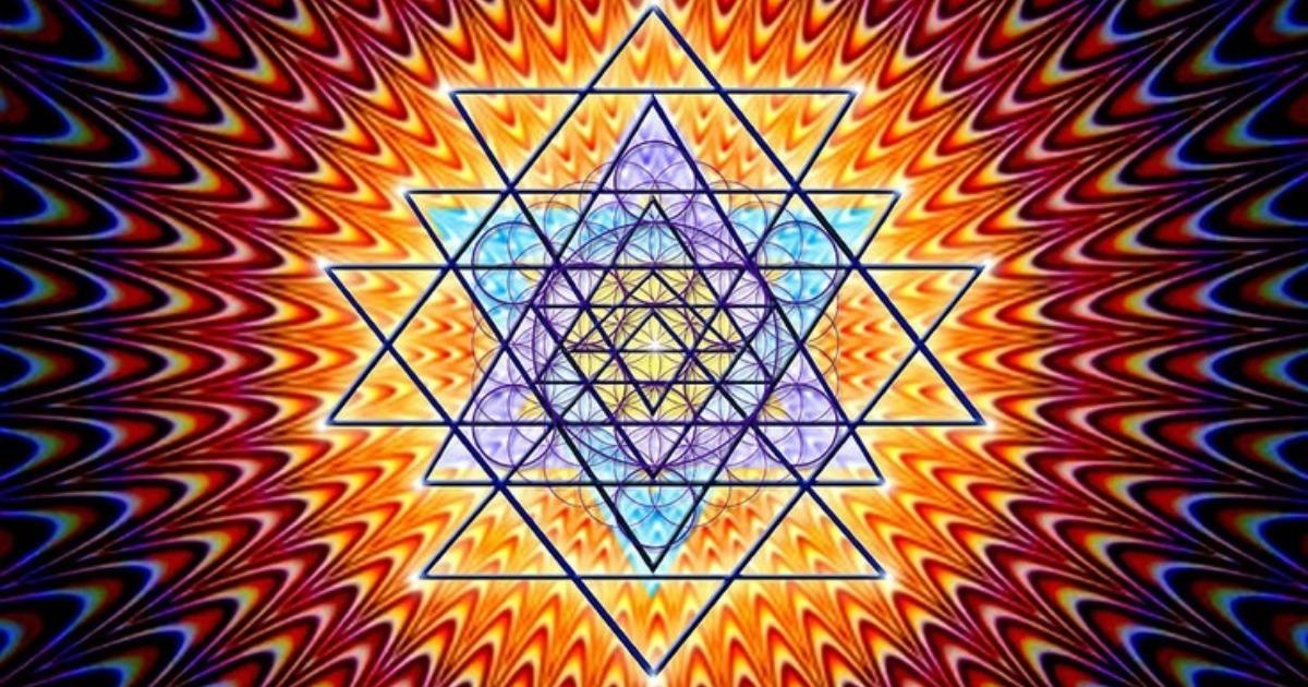 Практика Шри Янтры: как обрести энергию Вселенной