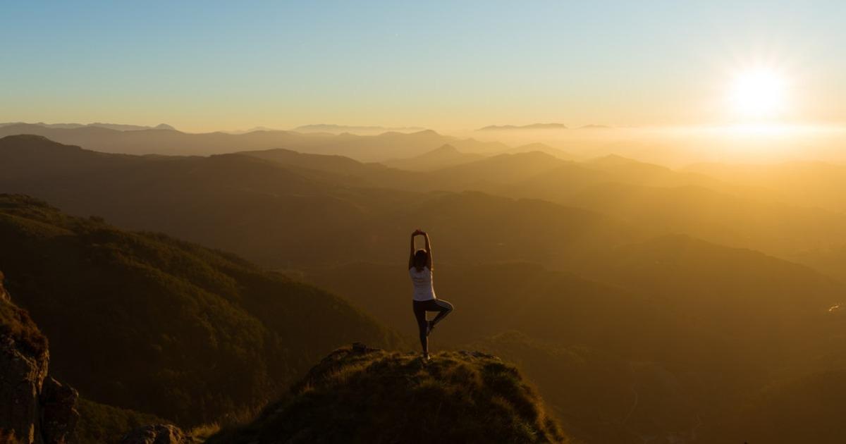 Йога для начинающих: упражнения для похудения