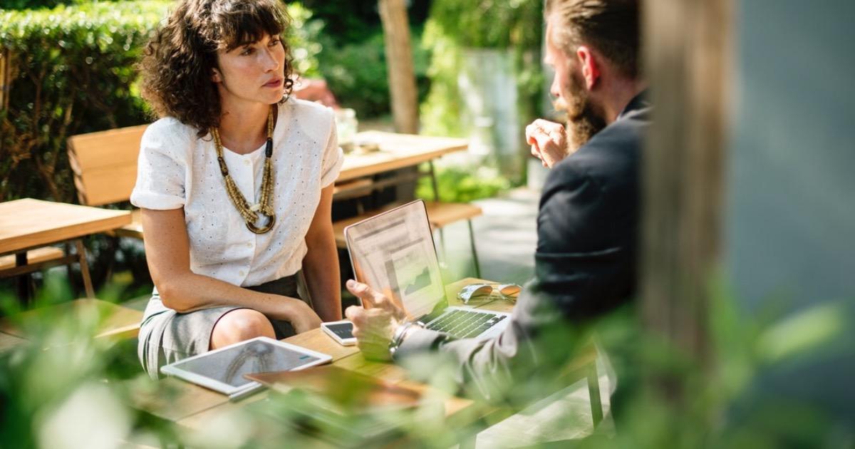 Сатья Дас: О чем говорить с женщиной — построение отношений