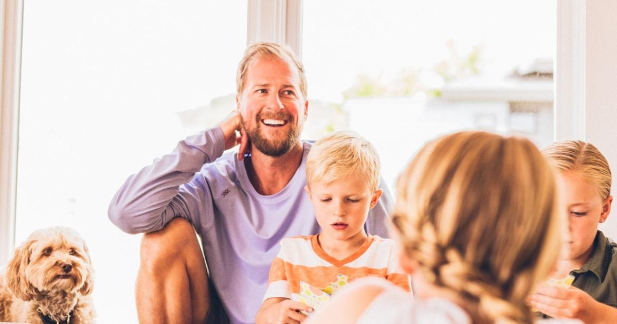 Берт Хеллингер: Тот, кто не смог принять родителей, не сможет принять и партнера