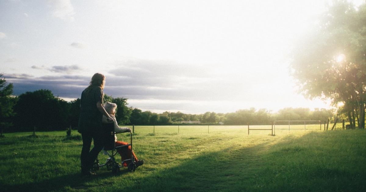 Берегите близких — старость не отменяет ни чувств, ни потребностей, ни стыда
