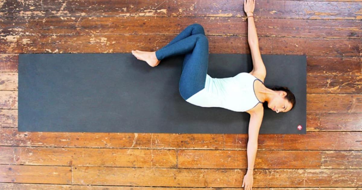 Йога против бессонницы: 6 вечерних упражнений, которые помогут расслабить тело и успокоить ум